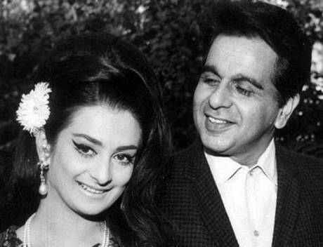 'मुगले आजम', 'मधुमती', 'देवदास' और 'गंगा जमुना' जैसी बेहतरीन फिल्मों में अपने यादगार अभिनय के लिए याद किए जाने वाले दिलीप कुमार आज 95 साल के हो गए। इसी साल अगस्त में वे अस्वस्थ हुए तो उनके मरने की खबर आ गई थी किन्तु उन्होंने मौत को चकमा दे दिया और घर लौट आए। उनकी पत्नी सायरा बानो ने तक कहा कि उनका घर लौट आना एक चमत्कार था। दिलीप कुमार और सायरा बानो बॉलीवुड के सबसे पुरानी जोड़ी में से एक है। सायरा बानो के मुताबिक दिलीप कुमार को वह तब से चाहती थीं जब वो केवल 12 साल की थीं। 1952 में रिलीज हुई 'दाग' में दिलीप कुमार को देखने के बाद वे उन्हें अपना दिल दे बैठी थीं। खूबसूरती की मिसाल सायरा बानो और मिस्टर हैंडसम दिलीप कुमार की मगर कोई संतान नहीं है।
