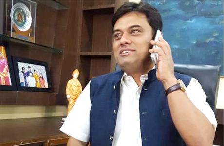 कांग्रेस जिग्नेश, हार्दिक से चर्चा कर रही तो जोगी से क्यों नहीं : देवव्रत
