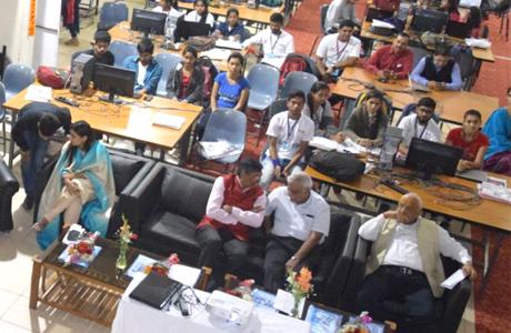 भिलाई। श्री शंकराचार्य तकनीकी कैम्पस में इस साल के प्रमुख आकर्षण हैकेथॉन का शुभारम्भ मुख्य अतिथि प्रो रजत मूना, निदेशक, आईआईटी (भिलाई) ने किया। समूचे छत्तीसगढ़ के विभिन्न संस्थाओं से 50 से ज्यादा टीमों ने रजिस्ट्रेशन किया जिनमे से 45 टीमों ने भाग लिया। प्रो रजत मूना ने अपने उद्भोधन में कहा की हैकथॉन का मुख्य उद्देश्य युवाओं और खास तौर से इंजीनियरिंग के छात्रों में नवाचार को प्रोत्साहन देने व नए विचारों को सामने लाना है।