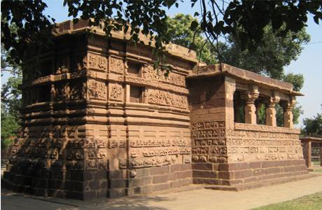 एमजे कालेज शैक्षणिक भ्रमण : देवबलौदा में दफ्न है तिलस्मी गुफा और अधूरे मंदिर का राज