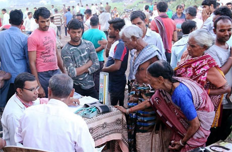 10 lakh villagers benefit from Mukhyamantri Haat Bazaar Clinic Yojana