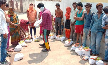 Corona Lockdown : Sankalp helping the needy with ration