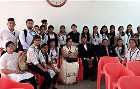SSSSMV Commerce students visit court