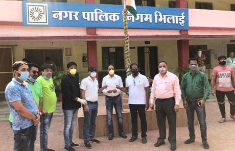 Sharda Samarthya Charitable Trust funds food for weaker section under Corona Lockdown