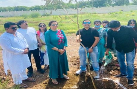 Sharda Samarthya Trust plants trees on hareli