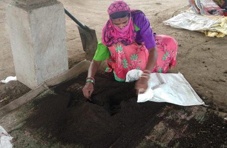 Nigam earns 80 lacs from organic manure