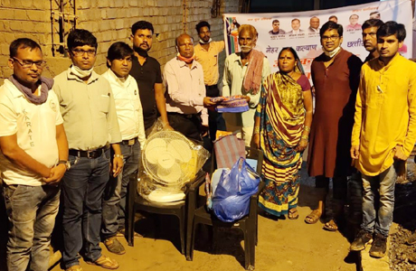Mehar Samaj provides relief to flood victims