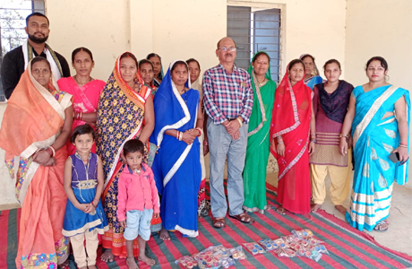 Gobar diya becomes good source of income