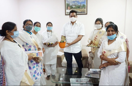 Mahila Utthan Mandal distributes Tulsi Saplings
