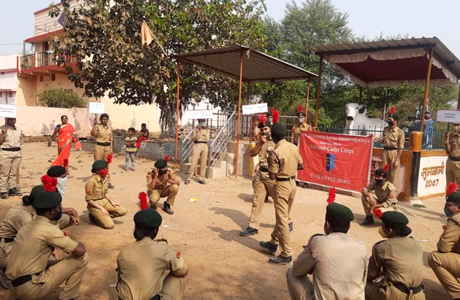 NCC cadets of Shankaracharya Mahavidyalaya bring awareness against drugs