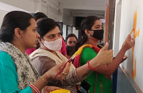 Wall painting workshop at MJ College Bhilai