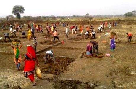 बेमेतरा जिले मे मनरेगा की बड़ी उपलब्धि, 45 लाख मानव दिवस सृजित