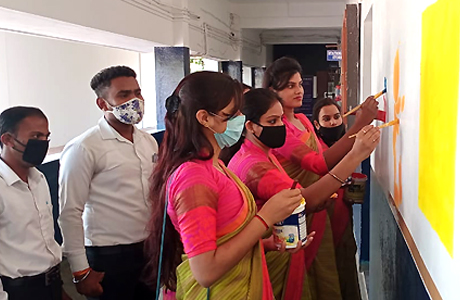Painting workshop at MJ College