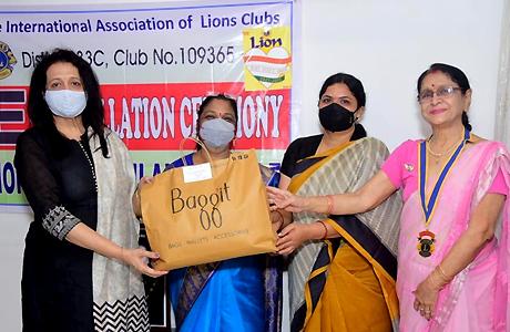 Dr Shreelekha Virulkar feliciated by lions pinaccle