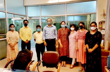 संजय रुंगटा समूह में तंबाकू निषेध दिवस पर पोस्टर स्पर्धा