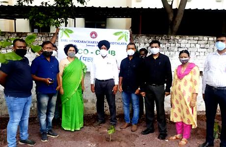 पर्यावरण दिवस पर शंकराचार्य कॉलेज में पौधरोपण
