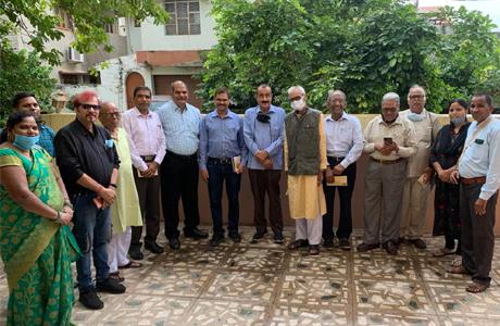 साक्षरता दूतों से मिले भारत सरकार के अतिरिक्त सचिव